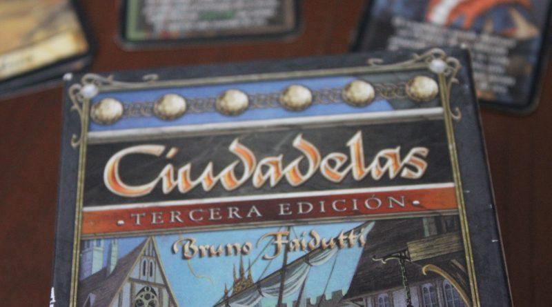 Juego de estrategia y cartas Ciudadelas