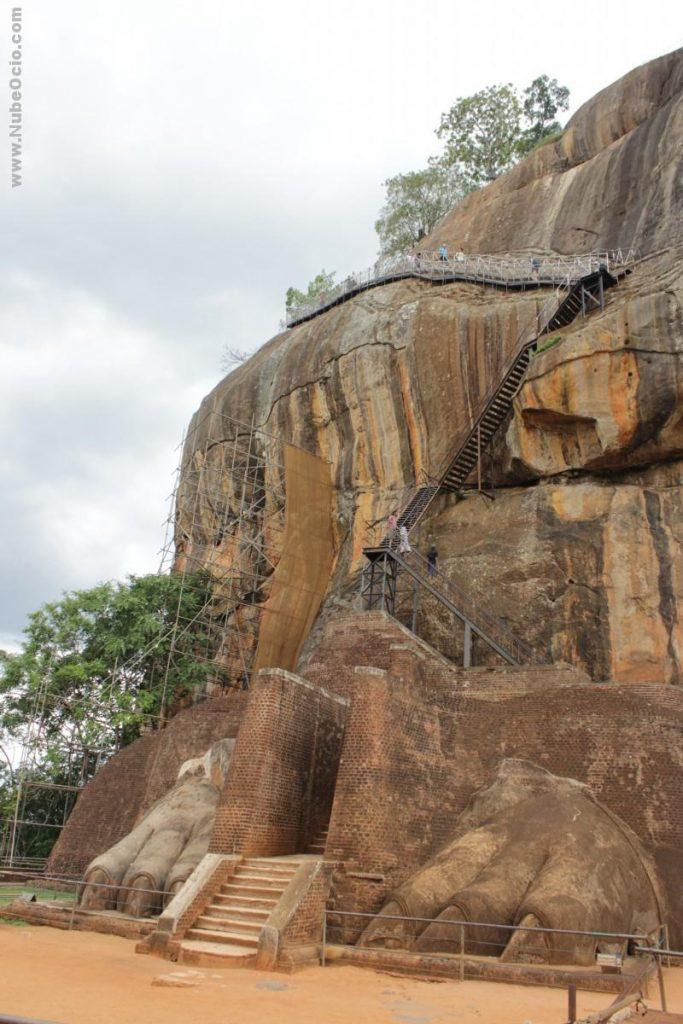 Patas del León de Sigiriya