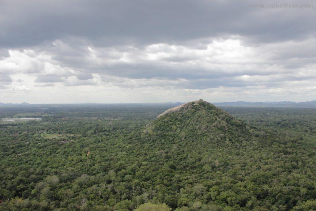 Roca Pidurangala Sri Lanka