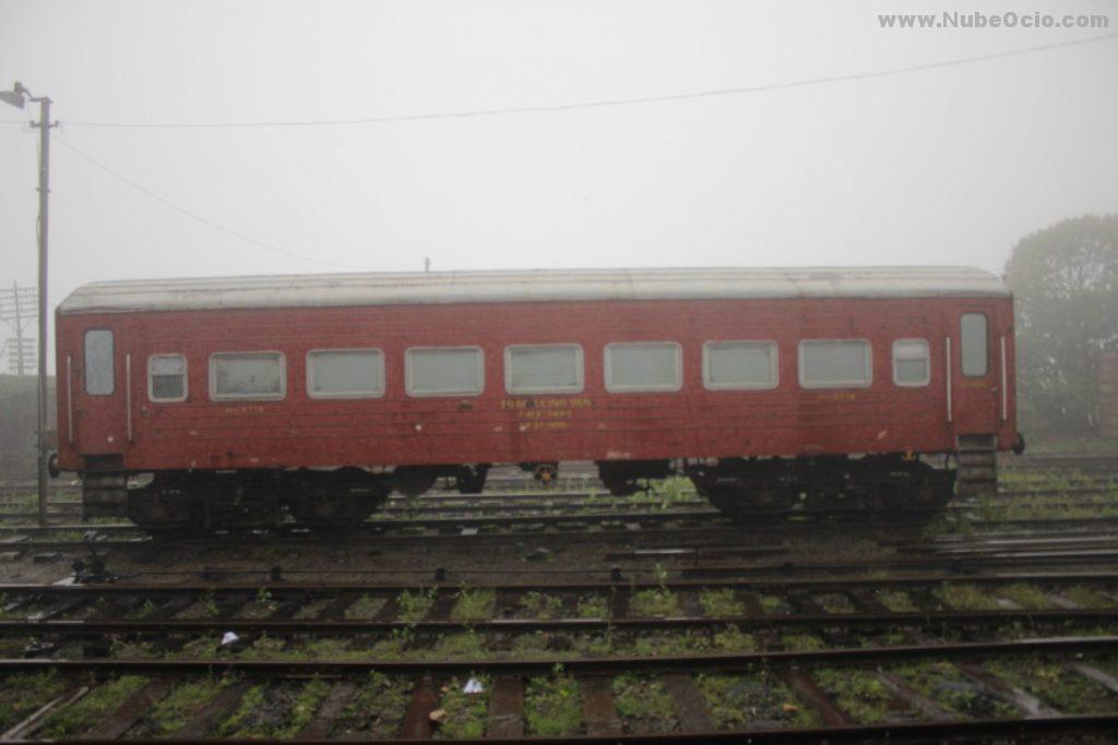 Vagón en la estación de Nanu Oya Sri Lanka
