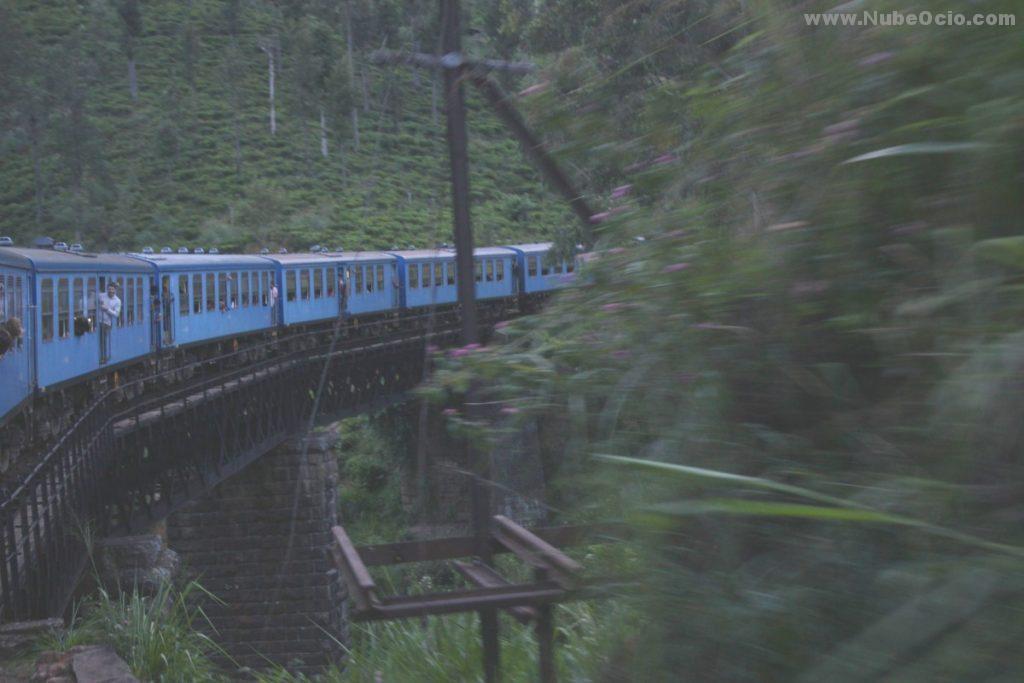 Puente desde el tren a Ella, Sri Lanka