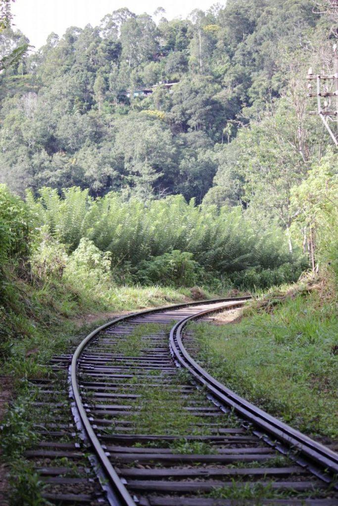 Vía de tren en Ella, Sri Lanka