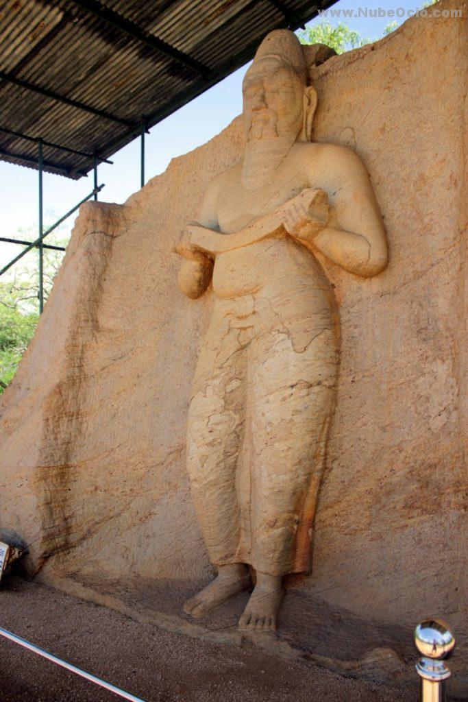 Estatua Potgul Vehera Polonnaruwa Sri Lanka