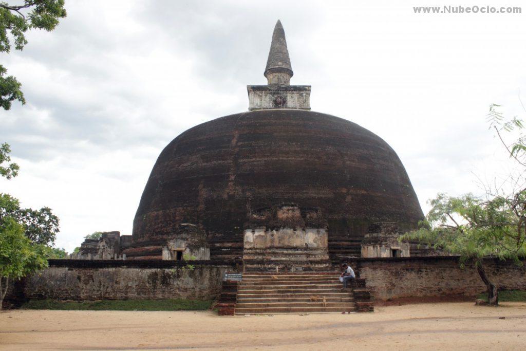 Estupa Rankot Vehera Polonnaruwa Sri Lanka