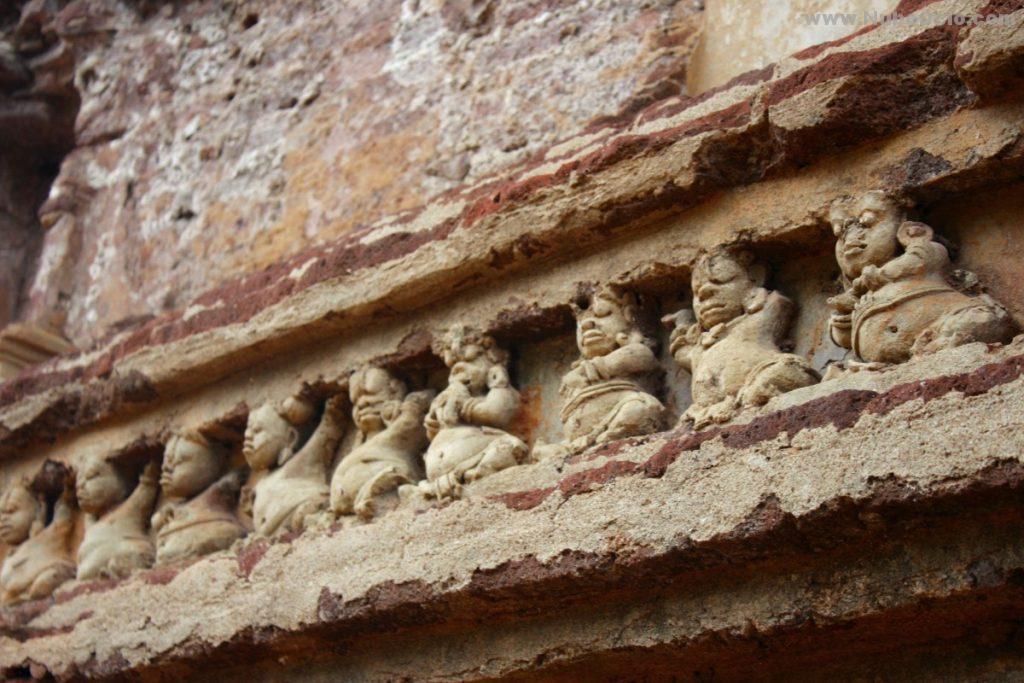 Casa de la imagen de Tivanka Polonnaruwa Sri Lanka