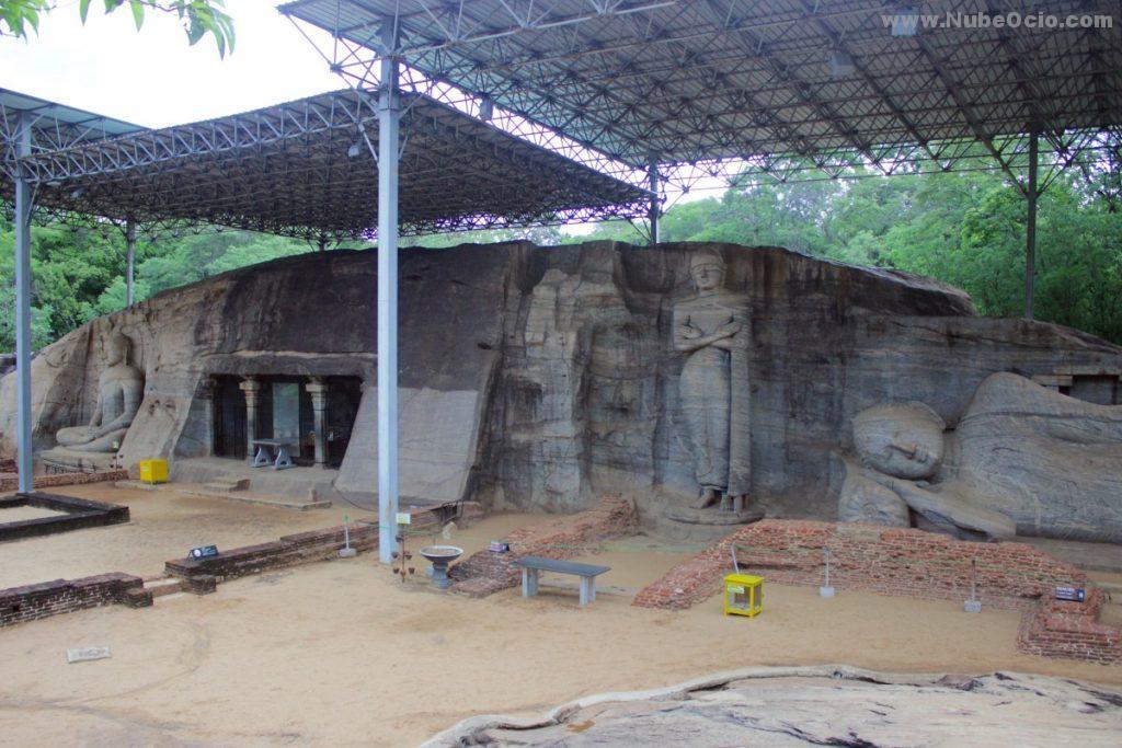 Budas Gigantes Gal Vihara Polonnaruwa Sri Lanka